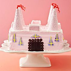 Surprise your birthday princess with this grand Castle Cake! More birthday cakes: http://www.bhg.com/party/birthday/cake/birthday-cakes-for-girls/?socsrc=bgpin062013castle=4