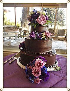 Preferred Wedding Cake Vendor at Crowne Plaza Ventura Beach