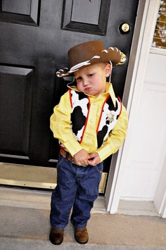 woody costume.  sc 1 st  Pinterest & How to Make a Woody Costume With Little-to-No Creative Ability ...