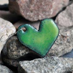 enamel pendant...  green heart...  Jul 04 by CoolVintage on Etsy, $11.50