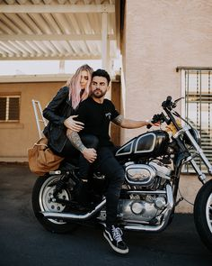 Motorcycle Photography Art Engagement Photos 53 Ideas For 2019 - Travel: Cars, Buses & Motorcycles - Motorrad Bike Couple, Couple Shoot, Couple Photography, Photography Poses, Tattooed Couples Photography, Wedding Photography, Motorcycle Wedding Pictures, Bday Gift For Boyfriend, Bike Photoshoot
