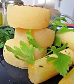 Domácí tvarůžky Snack Recipes, Dinner Recipes, Cooking Recipes, Snacks, Czech Recipes, Good Food, Yummy Food, Salty Foods, Homemade Cheese