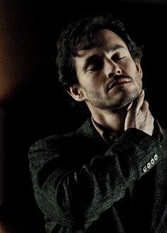 "I know I ride the ""UNF MADS AS HANNIBAL LECTER"" thing pretty hard, so lets talk about how adorable and lovely and completely amazing Hugh Dancy is, I mean look at his face, so perfect <3 <3 <3"