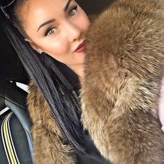 Fur Fashion, Womens Fashion, Thick Girl Fashion, Fox Fur Coat, Fashion Seasons, Fur Collars, Coats For Women, Fur Jackets, Red Fox
