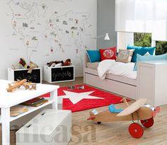 Children room - plane & mapamundi