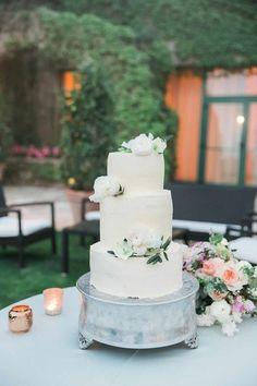 Romantic garden wedding off the Amalfi coast - 100 Layer Cake Amalfi Coast Wedding, 100 Layer Cake, Cake Bars, Italy Wedding, Garden Wedding, Wedding Cakes, Destination Wedding, Romantic, Simple