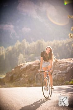 Durango Colorado Photo by Allison Ragsdale Photography senior pic on bike durango co