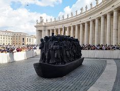 Pope Francis Unveils Dramatic New Sculpture in St. Peter's Square Images Of Christ, Matthew 25, Fountain Design, Trail Of Tears, Christopher Columbus, Irish Boys, Last Supper, Piece Of Music, Human Development