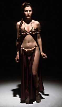 Princess Leia (Carrie Fisher) Slave girl outfit Star Wars: Return Of The Jedi Costume by Aggie Guerard Rodgers Star Wars Mädchen, Leia Star Wars, Star Wars Girls, Carrie Fisher, Austin Powers, Slave Leia Costume, Le Retour Du Jedi, Film Science Fiction, Films Cinema