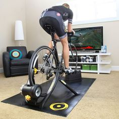 The Pros and Cons of Turbo Trainers and Using Zwift Zwift Cycling, Indoor Cycling, Cycling Equipment, Indoor Bike Rack, Cycle Trainer, Indoor Bike Trainer, Bike Room, Gym Room, Sport Fitness