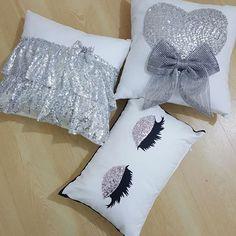 Cute Pillows, Diy Pillows, How To Make Pillows, Decorative Pillows, Cushions, Throw Pillows, Sewing Crafts, Sewing Projects, Sewing Pillows