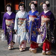 January 2017: The famous Tsurui-family of Gion Kobu posing for a family-picture during Hatsuyori. From left to right: Geiko Sayaka, Geiko Satsuki, Maiko Mitsuki and Maiko Marika During Hatsuyori Maiko and Geiko of Gion Kobu thank the owners of the...
