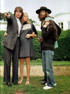 Paul McCartney, Linda McCartney, John Lennon and Yoko Ono - were they ever this young? Only Paul and Yoko are left. Yoko just turned Ringo Starr, George Harrison, The Beatles, Beatles Photos, Beatles Bible, Paul And Linda Mccartney, Lennon And Mccartney, Paul Mccartney Beard, Rock Music