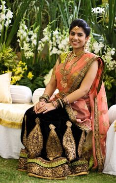 Liked every detail in this picture .half saree and jwelery Indian Wedding Bride, Indian Bridal Wear, South Indian Bride, Indian Wear, Indian Weddings, Dress Indian Style, Indian Dresses, Indian Outfits, Ethnic Fashion
