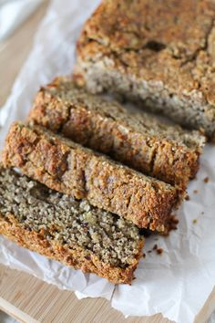 Paleo Banana Breadmade with almond flour | grain free and naturally sweetened #glutenfree #healthy #breakfast