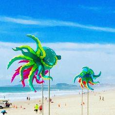 Last weekend of Summer in Australia - Mermaid festival - Giant Jellyfish    #beachlife #beachlife🌴🌞🌊🏄👌💁🐕 #beachlife🌴🌞🌊 #beach #sea #ocean #nature #waves #summer #love #beautiful #surf #sunday #sun #sand #photooftheday #water #travel #sundayfunday