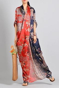 Boho Fashion, Fashion Dresses, Fashion Design, Day Dresses, Summer Dresses, Kaftan Style, Fashion Silhouette, Poncho, Estilo Boho