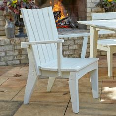 Outdoor Uwharrie Hourglass Patio Dining Chair with Arms - H075-026W