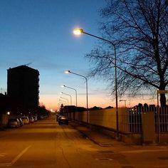 La mia strada la mia alba. #albarunning #albarunner #alba #run #running #luna #moon : @02tamara75