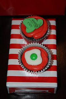 Dr. #Seuss Cupcakes #green eggs #ham #party