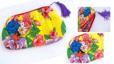 Linda necessaire/carteira,com estilo bem brasileiro. produzida em chita de qualidade,fooro de tricoline listrada, durinha para usar como carteira e cheia de detalhes fofos. R$ 28,00