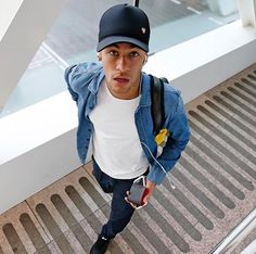 "heartsoftruth: "" Neymar on his way to San Sebastián Fc Barcelona Neymar, Barcelona Soccer, Neymar Jr Wallpapers, Neymar Pic, Soccer Motivation, Football Is Life, Boyfriend Pictures, Soccer Boys, Soccer"