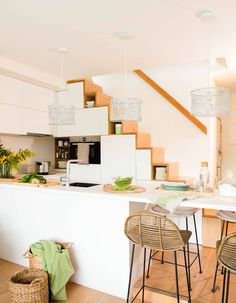 Minimalist House Design, Minimalist Home Interior, Tiny House Design, Small Space Living, Tiny Living, Small Spaces, Tyni House, Tiny House Cabin, Kitchen Under Stairs