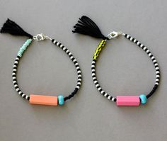Friendship Bracelet with Tassel Black and White por feltlikepaper