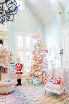 The land of sweets is the most magical room at Turtle Creek Lane year after year! Our Christmas tree is covered in an array of ice cream, candy, macaroo. Christmas Interiors, Christmas Room, Merry Little Christmas, Christmas 2019, Christmas Crafts, Christmas Ornaments, Christmas Ideas, Christmas Stuff, Mickey Mouse Parties