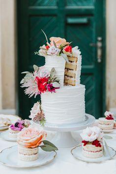 Floral Wedding Cake / Austrian Romantic Garden Wedding / elegante Garten Hochzeit in Graz / Schloss Sankt Veit / Aiola Weddings Aioli, Elegant, Garden Wedding, Romantic, Table Decorations, Home Decor, Graz, Wedding Photography, Bridesmaids
