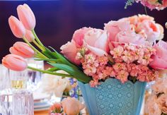 SPRING variety of pink flowers in an eggshell blue vase at a dinner party - spring flower centerpieces, floral arrangements, decor ideas Low Centerpieces, Centerpiece Ideas, Shower Centerpieces, Centrepieces, Wedding Decorations, Table Decorations, Easter Weekend, Arte Floral, Spring Flowers