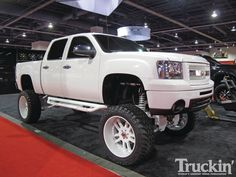 trucks-lifted-bkftfgty