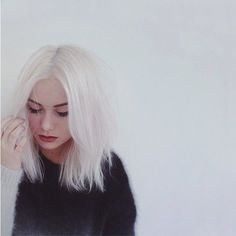 """Coloring ideas for hair are plenty and makes the overall appearance flawless. Even though the dark shades withRead More """"White Hair Color Ideas"""" Pretty Hairstyles, Girl Hairstyles, Scene Hairstyles, Girl Haircuts, Hair Inspo, Hair Inspiration, Corte Y Color, Platinum Hair, White Blonde"""