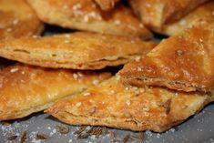 A zalai sós-köményes kréker Szendi mamától - sodorva-tekerve Winter Food, Shortbread, Quick Easy Meals, Food And Drink, Appetizers, Cooking Recipes, Vegan, Dishes, Breakfast