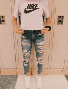 2020 Women Jeans Rta Jeans Leather Pants Women Lee Jeans For Women Teen Fashion Outfits jeans leather Lee Pants Rta Women Cute Lazy Outfits, Casual School Outfits, Teenage Girl Outfits, Teen Fashion Outfits, Teenager Outfits, Swag Outfits, Cute Outfits For School For Teens, Cute Highschool Outfits, Preteen Fashion