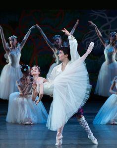 Lauren Lovette and Anthony Huxley in La Sylphide. © Paul Kolnik. ✯ Ballet beautie, sur les pointes ! ✯