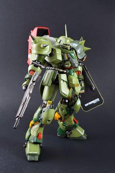 "MG 1/100 Geara Doga ""High Mobility Custom"""
