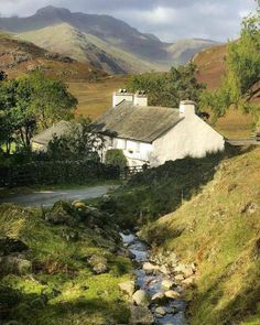 Blea Tarn House, Little Langdale, Lake District. Lake District, Cumbria, Cotswold Villages, Countryside Landscape, British Countryside, England And Scotland, Lofoten, Belle Photo, Beautiful Landscapes