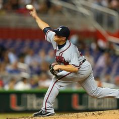 Kris Medlen #54 of the Atlanta Braves pitches against the Miami Marlins at Marlins Park