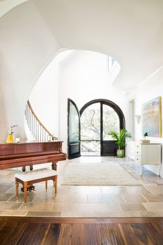 Designer Cortney Bishop creates an upscale home with feminine flair