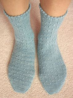 Goosebump Socks  Here is an easy, beginner sock with cute knots scattered all over. The knots remind me of little goosebumps! The knot stitc...