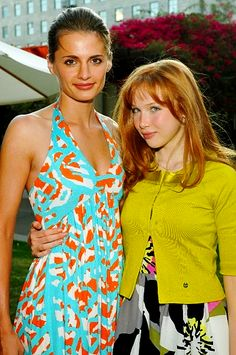 Stana Katic and Molly Quinn. Castle Abc, Castle Tv Series, Castle Tv Shows, Gorgeous Redhead, Gorgeous Women, Alexis Castle, Molly Quinn, Richard Castle, Movies