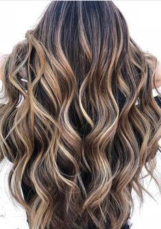 Looking for best ideas of brunette balayage hair colors and highlights to wear in 2018? Here you may easily find a vast list of best brunette balayage hair colors to use with long and medium haircuts. Balayage is one of those hair colors which can be used with various hair lengths and hair textures nowadays.