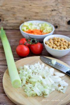Ciorbă de praz cu năut Yams, Grains, Cooking, Soups, Food, Dinners, Bebe, Kitchen, Dinner Parties