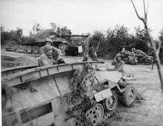 Un SPW appartenant à 2. SS-Panzer-Division « Das Reich » capturé le 26 juillet 1944 au nord de La Chapelle-en-Juger.
