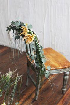 DIY Wedding : DIY: Floral Chair Garland Spring Wedding