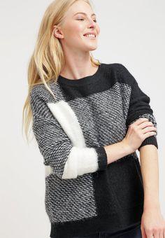 #Pullover mit #Karomuster - Schöner grauer Pullover von mint&berry. Dieser Pullover ist ein toller Begleiter durch die kalte #Jahreszeit und bekommt durch seine verschiedenen Grautöne eine moderne Note. - ab 59,95€