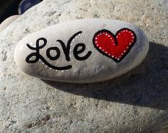 River Rock Heart Love Hand Painted Rock by CatalineRavengood Rock Painting Patterns, Rock Painting Ideas Easy, Rock Painting Designs, Pebble Painting, Stone Painting, Diy Painting, Mosaic Flower Pots, Mosaic Pots, Pebble Mosaic