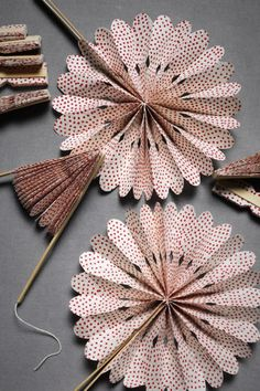 Crinkle Fans - These would be fun for a summer wedding or some other get together in the heat!  =)