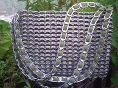 To give you some real motivation we have assembled these 37 DIY amazing soda pop tab ideas so do browse them all to know the multiple possibilities with Pop Top Crafts, Can Tab Crafts, Tape Crafts, Soda Tab Bracelet, Ribbon Bracelets, Pop Tab Purse, Pop Can Tabs, Soda Tabs, Recycling